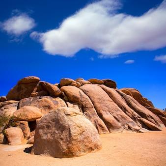 Rocce nel parco nazionale di joshua tree in california
