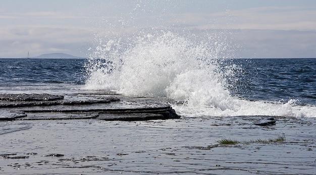Rocce oceano spiaggia svezia nubi cielo acqua di mare