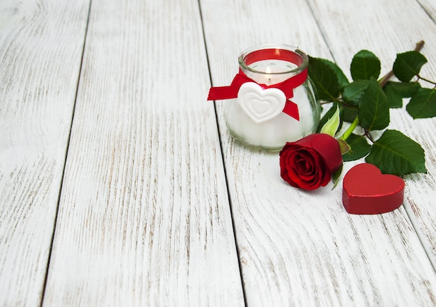 Rosa rossa e cuore