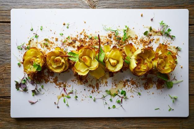 Rose di carciofo con tartufo e vinaigrette