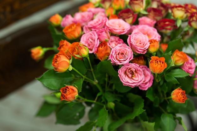 Rose di colore morbido