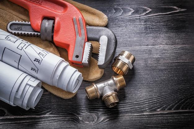 Rotoli del modello dei guanti di sicurezza dei montaggi dell'impianto idraulico di ottone della chiave stringitubo