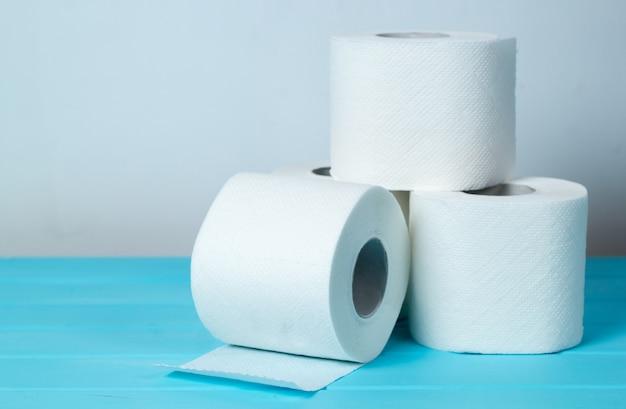 Rotoli di carta igienica.