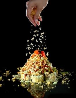 Rotolo di maki di cibo giapponese, maki sushi set cena pasto