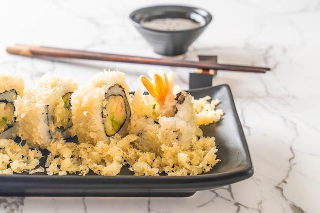 Rotolo di sushi gamberetti tempura