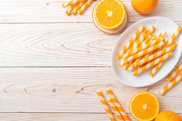 Rotolo di wafer con aroma di crema all'arancia