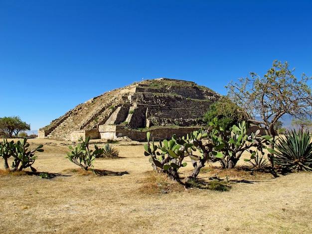 Rovine antiche di zapotec, monte alban, messico