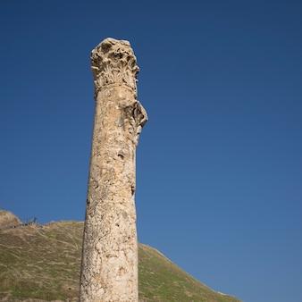 Rovine della colonna nel sito archeologico, bet she'an national park, distretto di haifa, israele