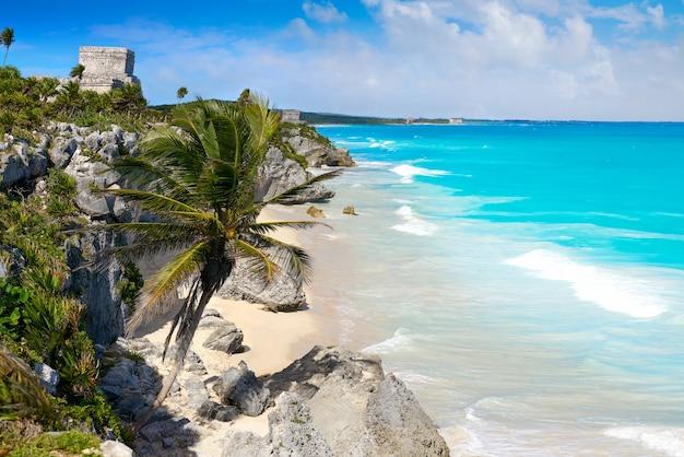 Rovine maya della città di tulum in riviera maya ai caraibi