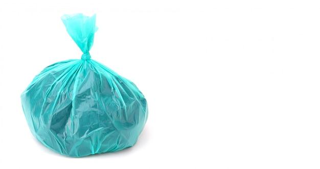 Sacchetto di plastica isolato su uno sfondo bianco