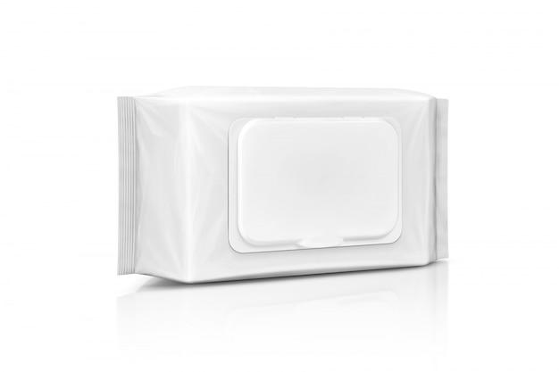 Sacchetto di salviettine umidificate di carta di imballaggio in bianco isolato