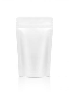 Sacchetto di snack con cerniera bianco isolato