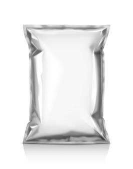 Sacchetto di snack in bianco isolato