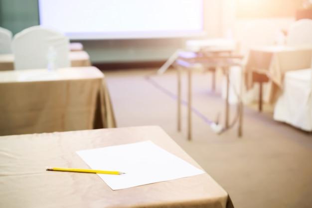 Sala conferenze o seminario di riunione, affari e concetto di educazione