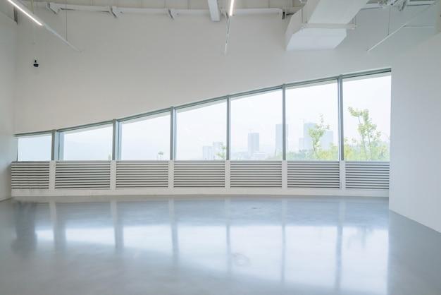 Sala espositiva sala d'ingresso e vetrate