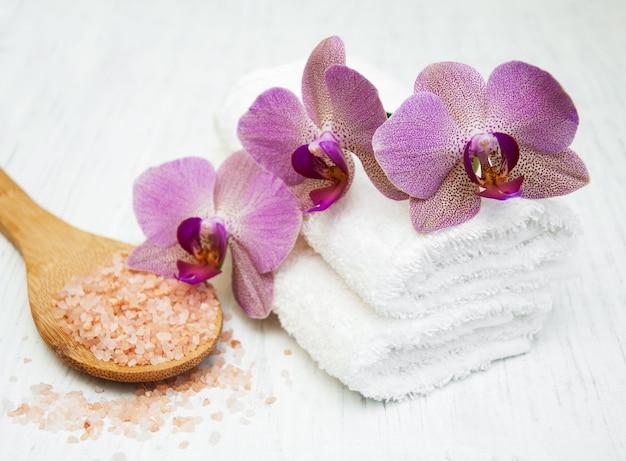 Sale marino e orchidee