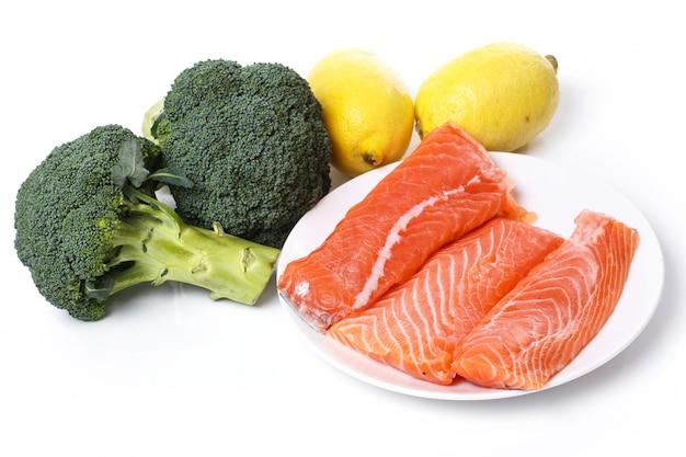 Salmone affettato crudo
