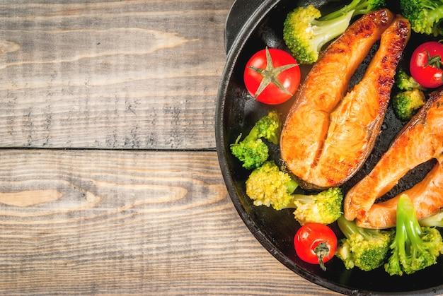 Salmone alla trota alla griglia con verdure