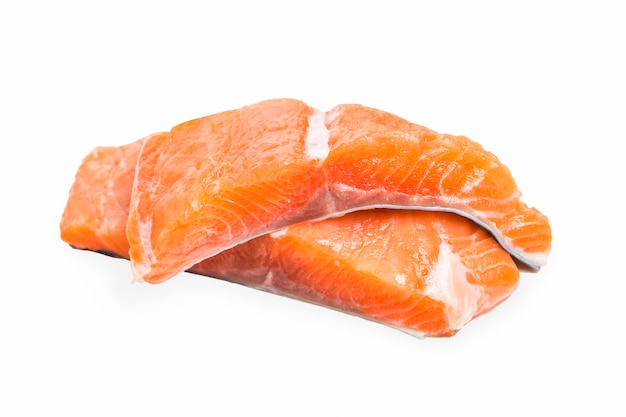 Salmone su sfondo bianco