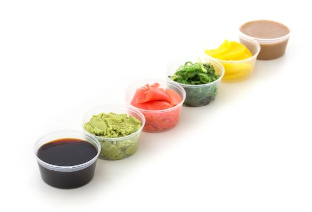 Salsa di soia, wasabi, zenzero sott'aceto