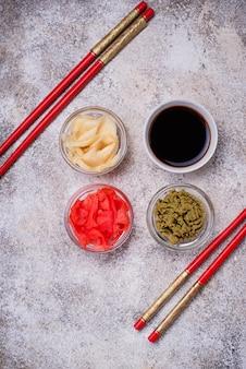 Salsa di wasabi, zenzero e soia.
