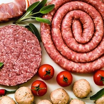 Salsiccia italiana fatta in casa con altre carni