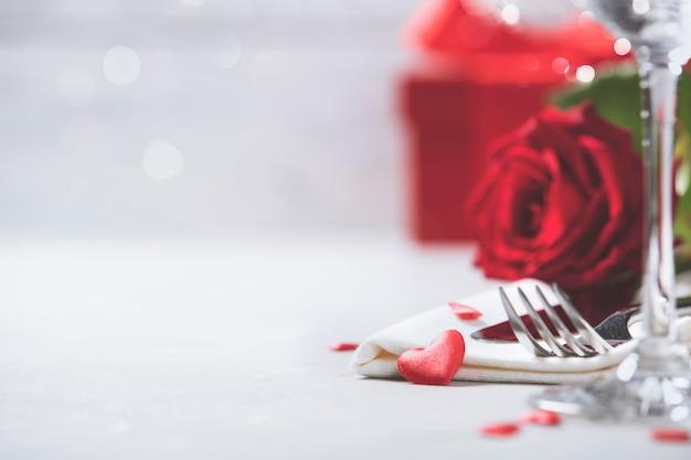 San valentino o concetto di cena romantica