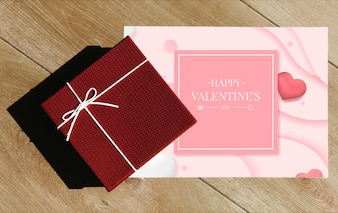 San Valentino regalo a sorpresa e carta