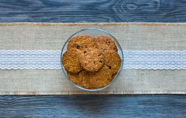 Sana colazione del mattino con biscotti ai cereali