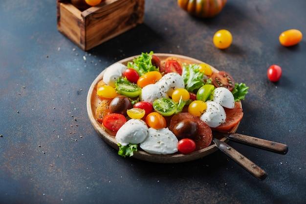 Sana insalata con mozzarella