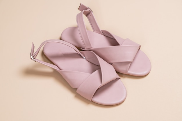 Sandali in pelle per donna e donna con cinturino