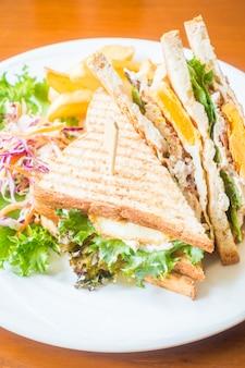 Sandwich con lattuga