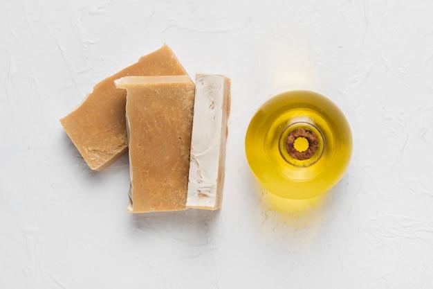 Sapone e olio essenziale per l'igiene