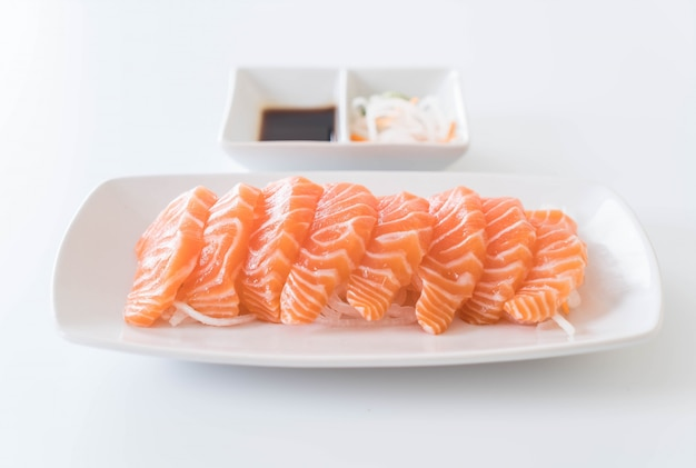 Sashimi crudi di salmone