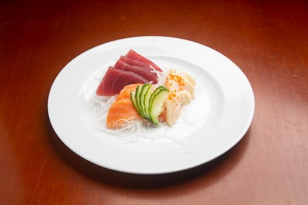Sashimi moriwase, cibo tipico giapponese