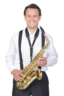 Sassofonista in camicia bianca
