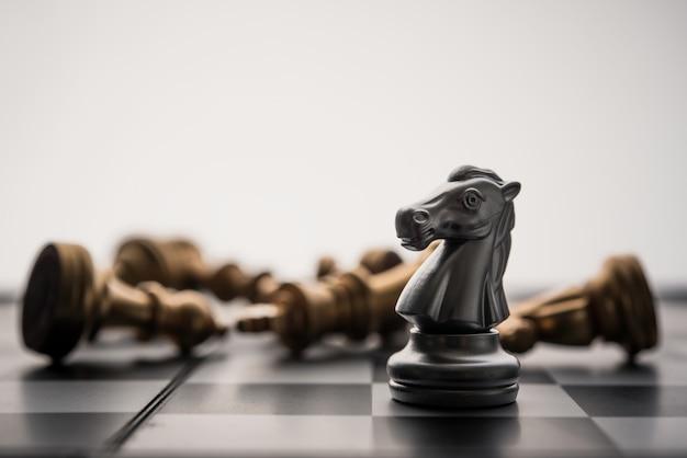 Scacchiera - l'unico gioco di combattimento d'affari con un solo vincitore.