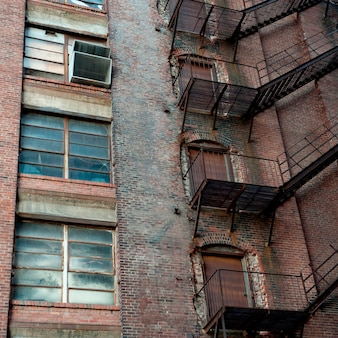 Scala antincendio sulla parete esterna a boston, massachusetts, usa