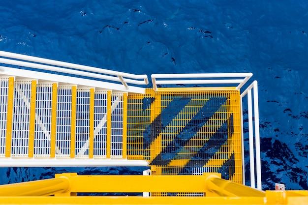Scala su olio e impianto di gas. piattaforma offshore
