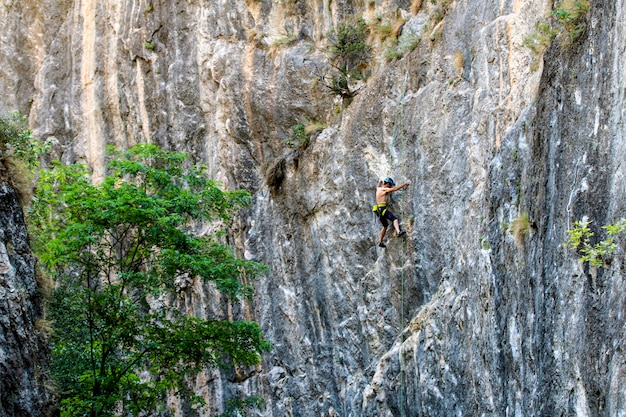 Scalatori in montagna