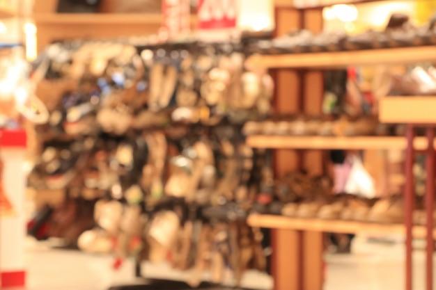 Scarpa sfocata nel centro commerciale