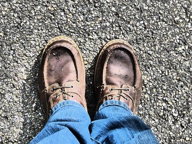 Scarpe da trekking viaggio pellegrinaggio fare