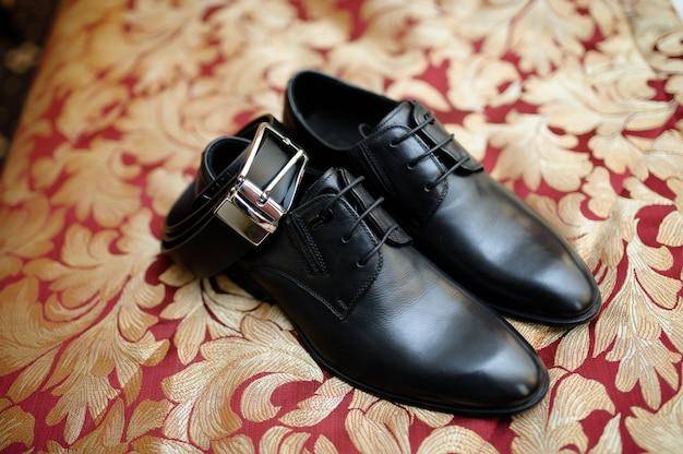 Scarpe da uomo, cintura