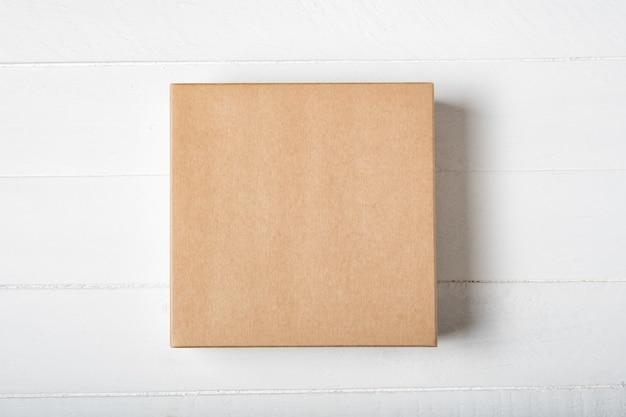 Scatola di cartone quadrata