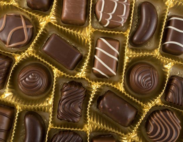 Scatola di cioccolatini vista dall'alto
