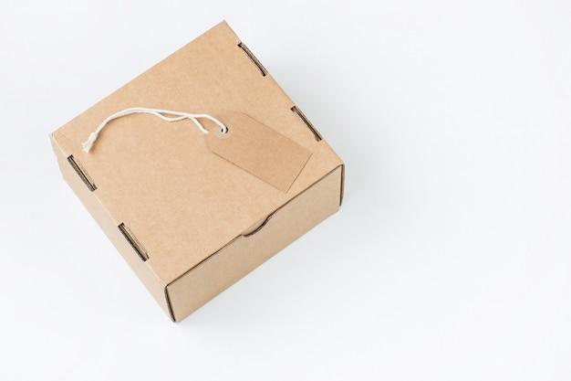Scatola di imballaggio ed etichetta di carta