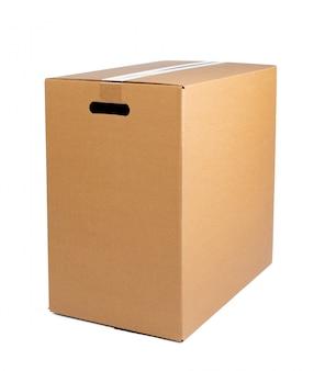 Scatola marrone del cartone isolata su bianco