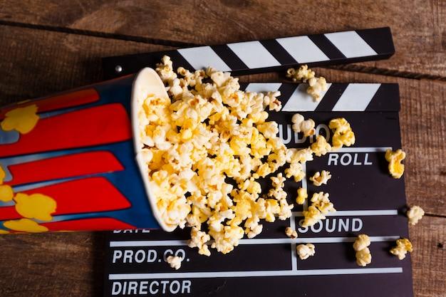 Scatola per popcorn con ciak