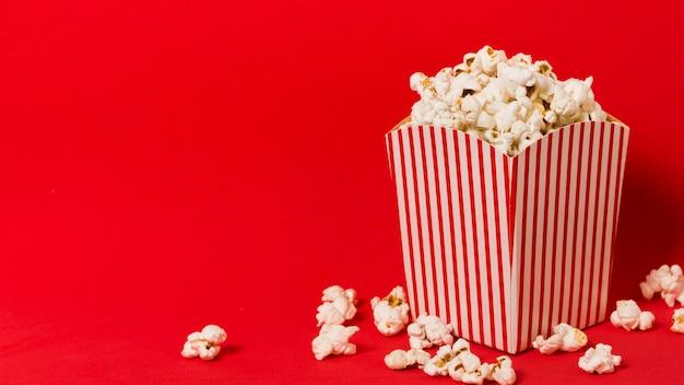 Scatola per popcorn con copia-spazio
