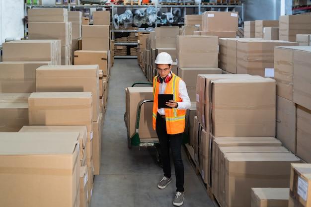 Scatole di consegna logistica
